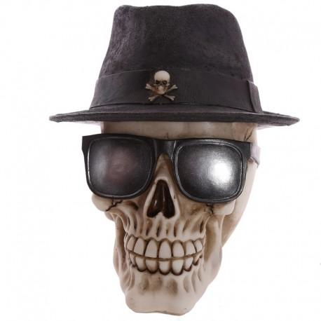 Crâne décoratif portant un chapeau-feutre