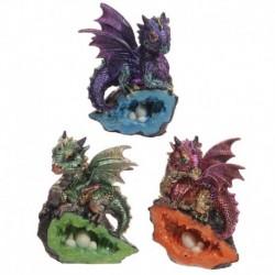 Bébé dragon avec caverne cristal