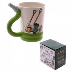 Mug en céramique avec anse en forme de tuyau